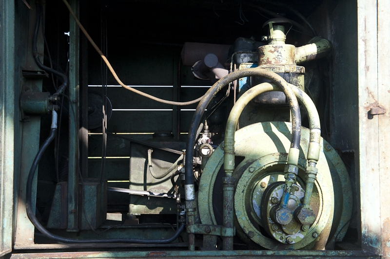 Tag der offenen Tuer 2010 bei HYDREMA mit Betriebsrundgaengen, Maschinenvorfuehrungen und Testfahrten durch Besucher