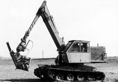 Grabenraeummaschine B771